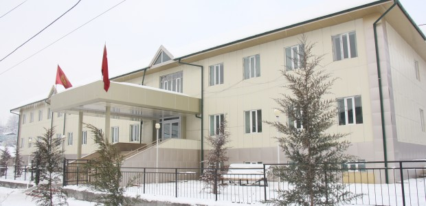 Kyrgyzstan Turkey Friendship Hospital offers 100.000 people health service in a year - 1