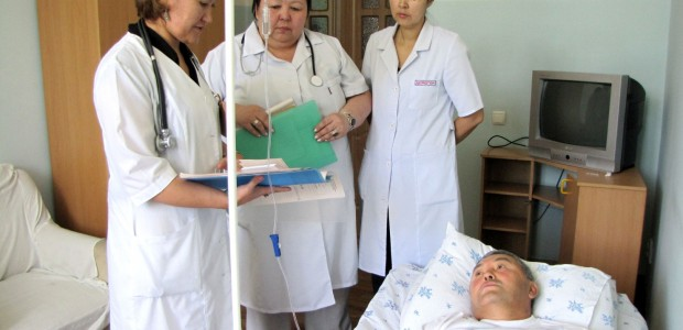 Kyrgyzstan Turkey Friendship Hospital offers 100.000 people health service in a year - 6
