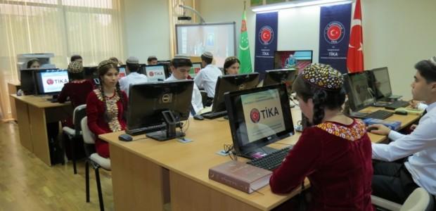 Türkmenistan Uluslararası İlişkiler Enstitüsü'ne Kurulan Kütüphane Hizmete Açıldı - 3