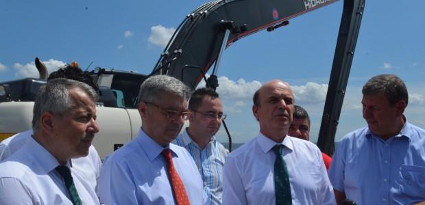 TİKA'dan Arnavutluk'a Doğal Afet Sonrasındaki Hasarların Giderilmesi Amacıyla Ekskavatör - 1
