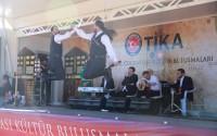حافلة تيكا للثقافة والفنون تقدم عروضها في جمهورية قبرص التركية