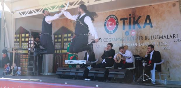 حافلة تيكا للثقافة والفنون تقدم عروضها في جمهورية قبرص التركية - 4