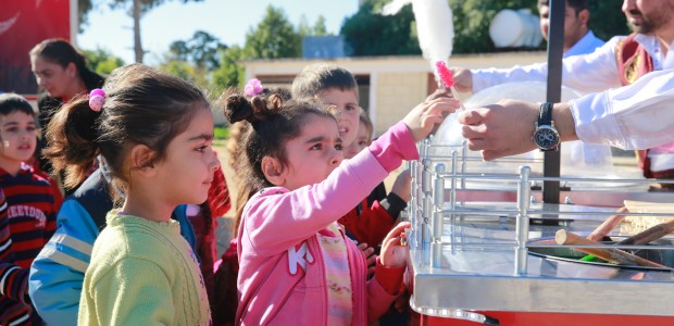 حافلة تيكا للثقافة والفنون تقدم عروضها في جمهورية قبرص التركية - 6