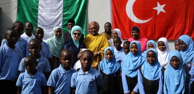 عقيلة الرئيس التركي السيدة امينة اردوعان تفتتح دار الايتام المنفذة من قبل وكالة تيكا في نيجريا - 4