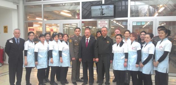 ورشة تدريبية في معمل الخياطة العسكرية لموظفي القوة العسكرية القيرغيزية - 6