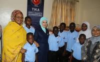 عقيلة الرئيس التركي السيدة امينة اردوعان تفتتح دار الايتام المنفذة من قبل وكالة تيكا في نيجريا