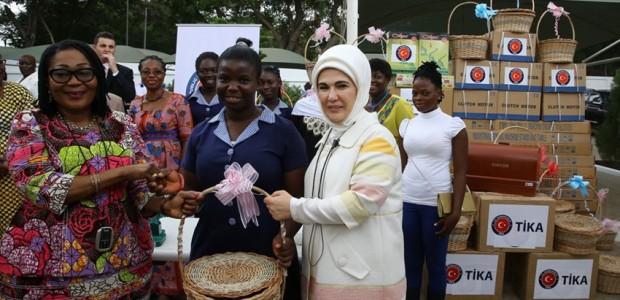 امينة اردغان تحضر حفل تسليم اجهزة السمع من قبل وكالة تيكا لمؤسسة لوردينا  - 5