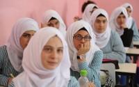 طالبات فلسطينيات يقبلن على تعلم اللغة التركية