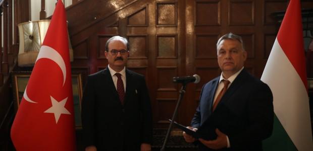 Macaristan Hükümeti Liyakat Nişanı TİKA Başkanı Dr. Serdar Çam'a Verildi  - 7