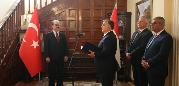 Macaristan Hükümeti Liyakat Nişanı TİKA Başkanı Dr. Serdar Çam'a Verildi  - 8