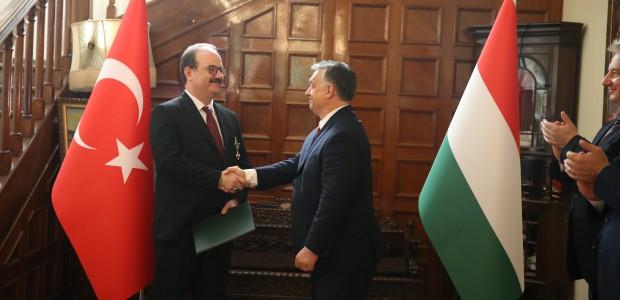 Macaristan Hükümeti Liyakat Nişanı TİKA Başkanı Dr. Serdar Çam'a Verildi  - 10