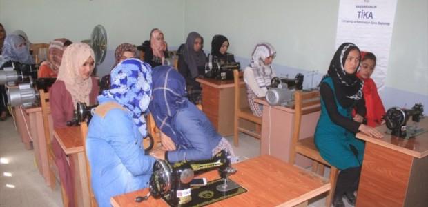 """""""تيكا"""" التركية تفتتح دورات مهنية لتأهيل السيدات في أفغانستان - 1"""