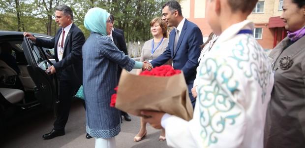 Emine Erdoğan, Astana Çocuk Evi ve Yetimhanesini Ziyaret Etti  - 4