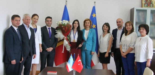 Moldova'da TİKA'ya Üstün Hizmet Madalyası  - 3