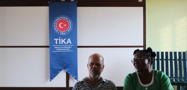 """""""تيكا"""" التركية ترسم البسمة على وجوه مسلمي سورينام في العيد - 4"""