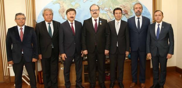 TİKA Başkanı Dr. Serdar Çam'a, Kazakistan Bağımsızlık Madalyası - 4