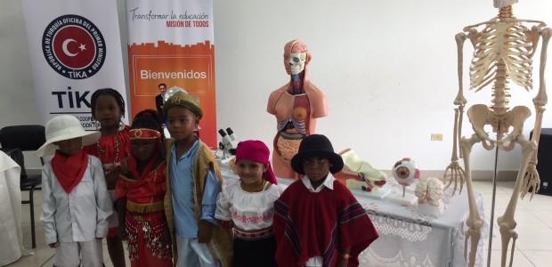 TİKA'dan Ekvadorlu Öğrencilere Deney Ekipmanları Desteği - 1