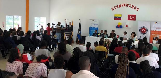 TİKA'dan Ekvadorlu Öğrencilere Deney Ekipmanları Desteği - 4