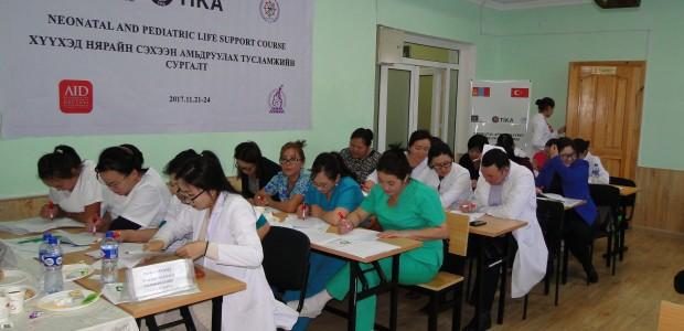 """""""تيكا"""" التركية تقيم دورة تدريبية لأطباء وممرضين في منغوليا - 1"""