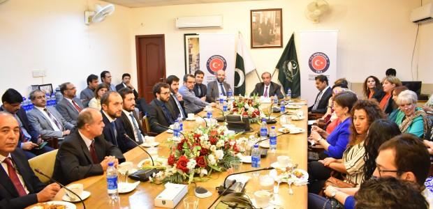 Pakistan'da Mesleki Eğitimini Tamamlayan Kursiyerler Sertifikalarını Aldı - 1
