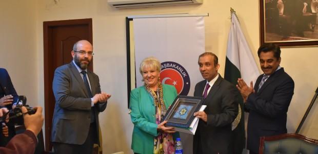 Pakistan'da Mesleki Eğitimini Tamamlayan Kursiyerler Sertifikalarını Aldı - 2
