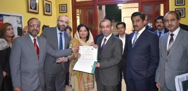 Pakistan'da Mesleki Eğitimini Tamamlayan Kursiyerler Sertifikalarını Aldı - 3