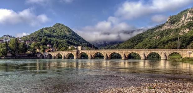 تيكا التركية تستكمل ترميم جسر درينا في البوسنة  - 1