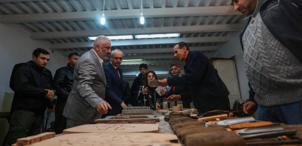 """""""تيكا"""" التركية تفتتح مختبرا للحاسوب بمدرسة عثمانية في طرابلس الليبية - 1"""
