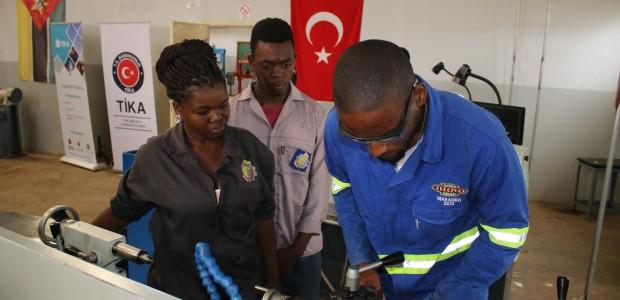 TİKA Türkiye'nin Mesleki Eğitim Tecrübelerini Mozambik'e Aktarıyor - 2