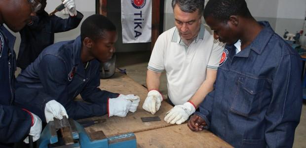 TİKA Türkiye'nin Mesleki Eğitim Tecrübelerini Mozambik'e Aktarıyor - 6