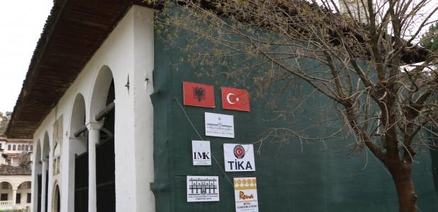 Arnavutluk Başbakanı Edi Rama Berat'ta TİKA'nın Restorasyon Projelerini İnceledi - 7