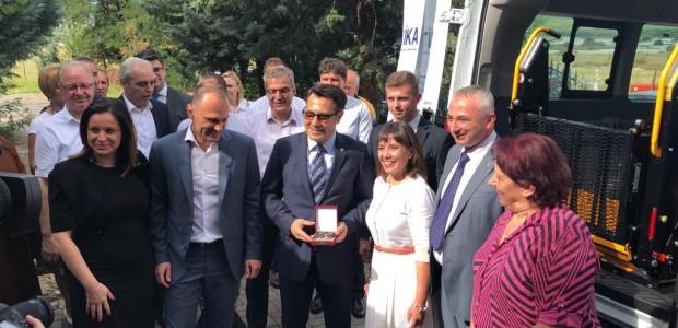TİKA'dan Makedonya'daki Engelli Hastalara Nakil Aracı  - 3