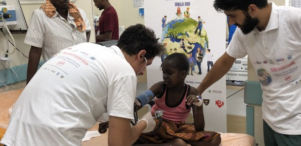 TİKA's Volunteer Ambassadors Offered Remedy to Patients in Somalia - 1