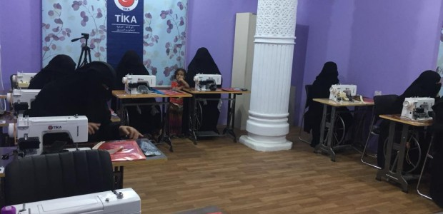TİKA Offers Support to Family Development Center in Yemen  - 3