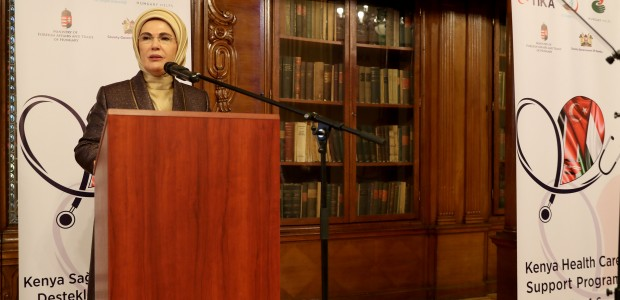 Emine Erdoğan Macaristan'da TİKA Programına Katıldı  - 1