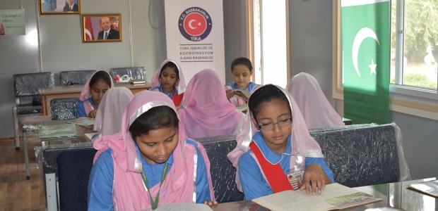 TİKA Opens a Library and a Playground at a Girls' School in Pakistan  - 5