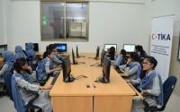 """""""تيكا"""" التركية تفتتح قاعة الدراسات التقنية في مدرسة باكستانية"""