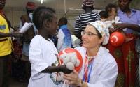 """""""تيكا"""" التركية توفر فحوصات طبية لقاطني مخيم لاجئين في كينيا"""