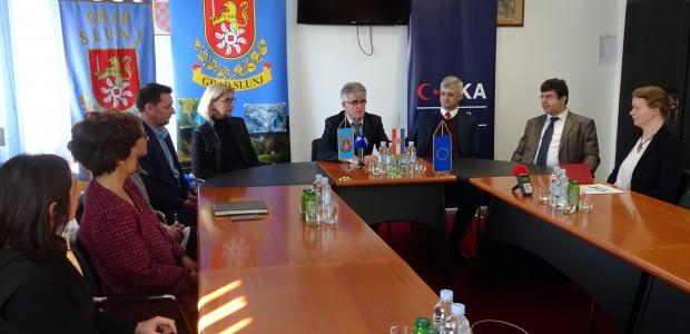 """""""تيكا"""" التركية ترمم مركزا تعليما شعبيا في كرواتيا - 1"""