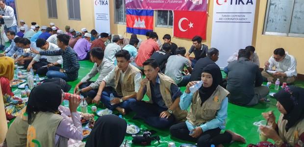 TİKA'dan Kamboçya'da Ramazan Programı - 9
