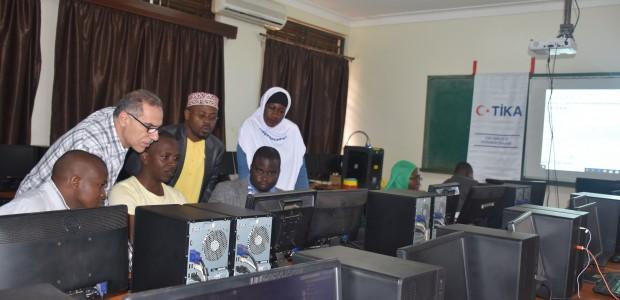 TİKA'dan Uganda'da 3D Tasarım ve Modelleme Eğitimi  - 1