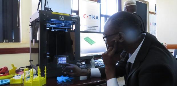 TİKA'dan Uganda'da 3D Tasarım ve Modelleme Eğitimi  - 4