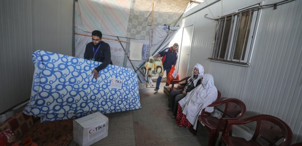 TİKA Provides Assistance 1100 Families Affected by the Raids on Gaza - 3
