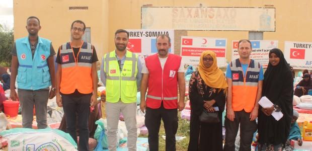 تيكا التركية تمد يد العون الى المتضررين من السيول في الصومال - 2