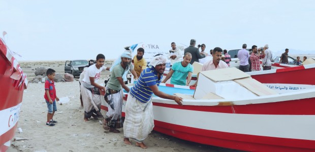 TİKA Provides Boats to Yemeni Fishermen - 5