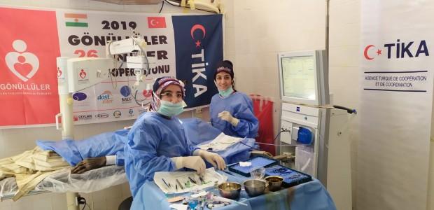 بدعم تيكا التركية اطباء الاتراك تعالج المرضى في النيجر - 5