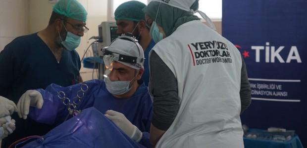 Türk Doktorlardan Afganistan'da 100 Hastaya Kulak Burun Boğaz Ameliyatı - 5
