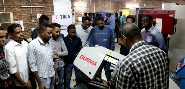 TİKA Sudan'da 5 Binden Fazla Kişiyi Meslek Sahibi Yaptı  - 3