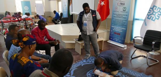 تيكا التركية تنظم ورشة تدريبية للكادر الطبي في النيجر - 5