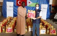 """""""تيكا"""" التركية توزع مساعدات إنسانية وإغاثية في جيبوتي"""